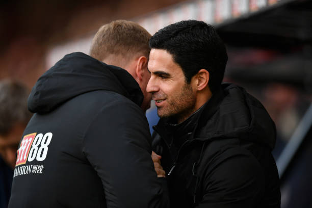 BOURNEMOUTH, ENGLAND - DECEMBER 26: Mikel Arteta, Manager of Arsenal shakes hands with Eddie Howe, Manager of AFC Bournemouth ahead of the Premier League match between AFC Bournemouth and Arsenal FC at Vitality Stadium on December 26, 2019 in Bournemouth, United Kingdom. (Photo by Dan Mullan/Getty Images)