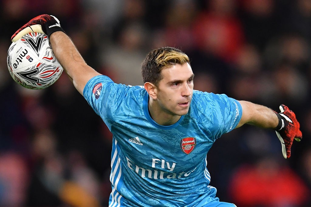 BOURNEMOUTH, ENGLAND - JANUARY 27: Emiliano Martinez of Arsenal in action during the FA Cup Fourth Round match between AFC Bournemouth and Arsenal at Vitality Stadium on January 27, 2020, in Bournemouth, England. (Photo by Justin Setterfield/Getty Images)