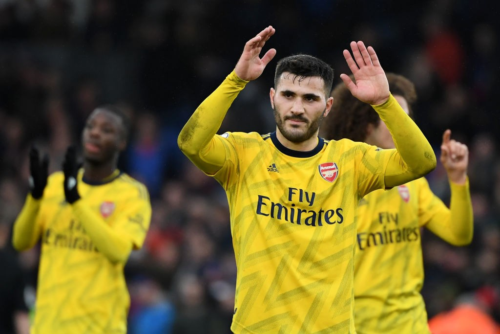 Arsenal's German-born Bosnian defender Sead Kolasinac reacts at the final whistle during the English Premier League football match between Crystal Palace and Arsenal at Selhurst Park in south London on January 11, 2020. (Photo by DANIEL LEAL-OLIVAS / AFP / Getty Images)