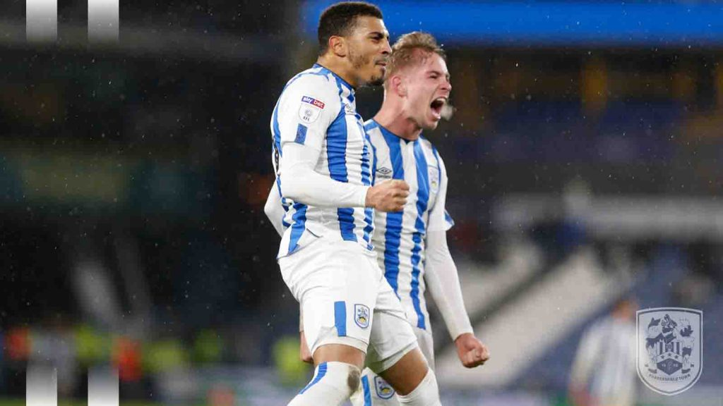 Karlan Grant (L) celebrating his goal with Emile Smith Rowe (R) (Photo via Twitter / HTAFC)