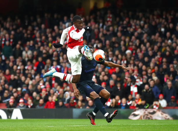 Eddie Nketiah of Arsenal scores his sides first goal during the Premier League match between Arsenal FC and Everton FC at Emirates Stadium on February 23, 2020 in London, United Kingdom.