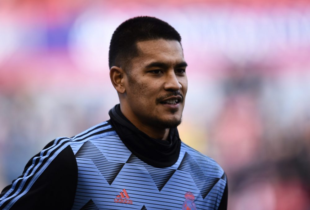 PAMPLONA, SPAIN - FEBRUARY 09: Alphonse Areola of Real Madrid warms up prior to the La Liga match between CA Osasuna and Real Madrid CF at El Sadar Stadium on February 09, 2020 in Pamplona, Spain. (Photo by Juan Manuel Serrano Arce/Getty Images)