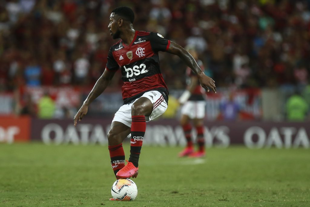 RIO DE JANEIRO, BRAZIL - MARCH 11: Gerson Santos of Flamengo runs with the ball during a match between Flamengo and Barcelona as part of Copa CONMEBOL Libertadores 2020 at Maracana Stadium on March 11, 2020 in Rio de Janeiro, Brazil. (Photo by Bruna Prado/Getty Images)