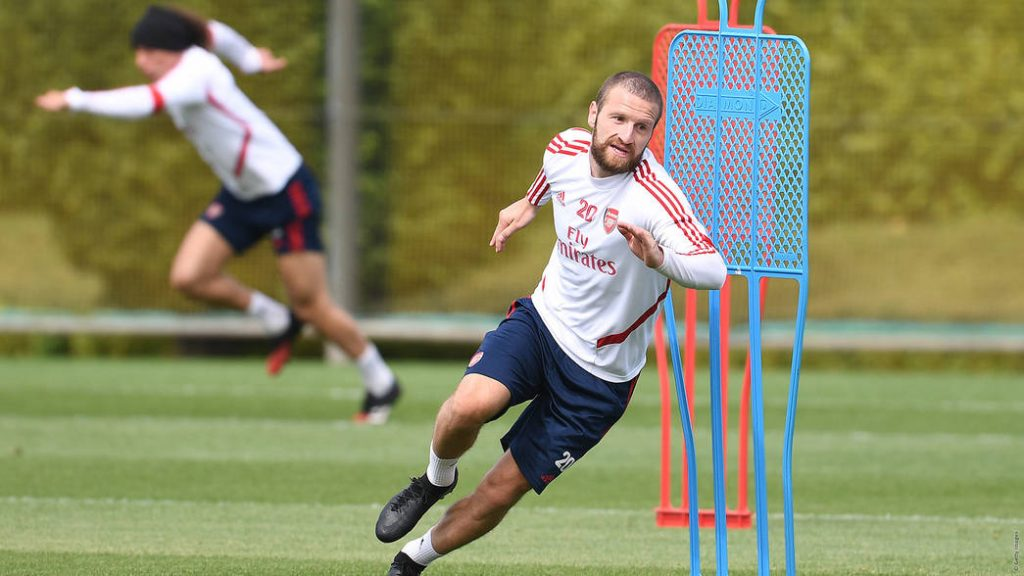 Shkodran Mustafi in training with Arsenal (Photo via Arsenal.com)