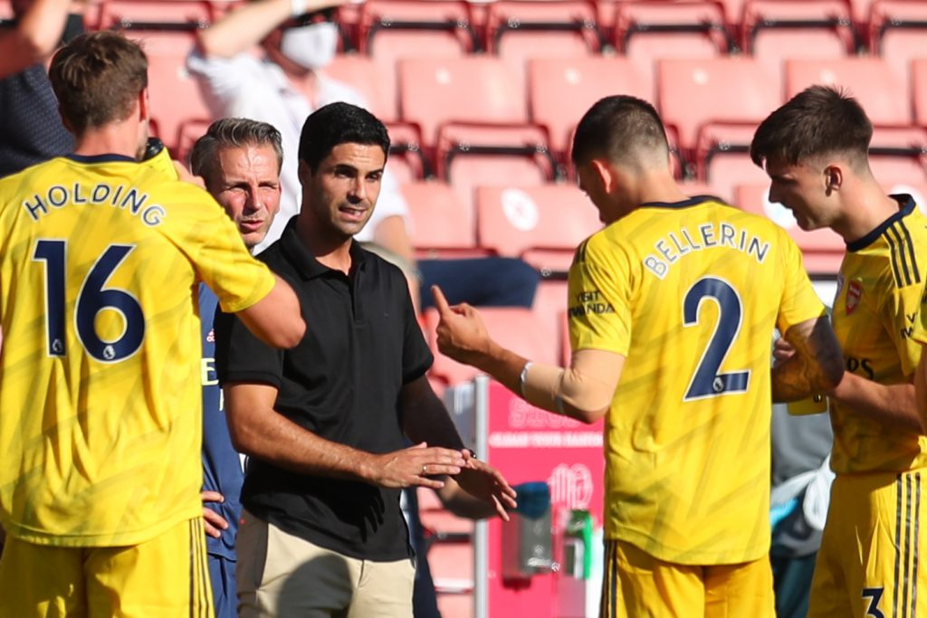 Arsenal's Spanish head coach Mikel Arteta instructs players at drinks break during the English Premier League football match between Southampton and Arsenal at St Mary's Stadium in Southampton, southern England on June 25, 2020. (Photo by Catherine Ivill / POOL / AFP)