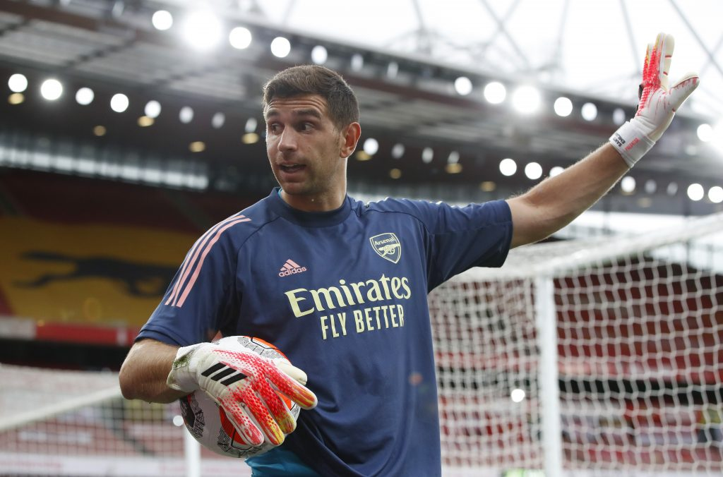 LONDON, ENGLAND - JULY 15: Emiliano Martinez of Arsenal warms up ahead of the Premier League match between Arsenal FC and Liverpool FC at Emirates Stadium on July 15, 2020 in London, England.(Photo by Paul Childs/Pool via Getty Images)