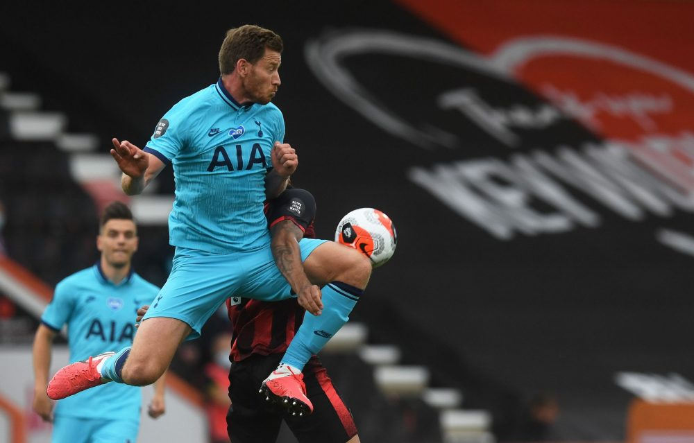 Tottenham Hotspur's Belgian defender Jan Vertonghen (L) jumps for the ball during the English Premier League football match between Bournemouth and Tottenham Hotspur at the Vitality Stadium in Bournemouth, southern England, on July 9, 2020. (Photo by NEIL HALL / POOL / AFP)