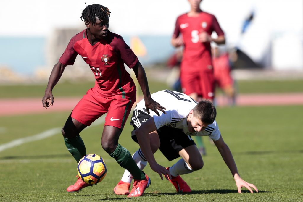 VILA REAL SANTO ANTONIO, PORTUGAL - FEBRUARY 11: Michael Kostka (R) of Germany U16 challenges Joelson Fernandes (L) of Portugal U16 during UEFA Development Tournament match between U16 Germany and U16 Portugal at VRSA Stadium on February 11, 2019 in Vila Real Santo Antonio, Portugal. (Photo by Ricardo Nascimento/Getty Images)