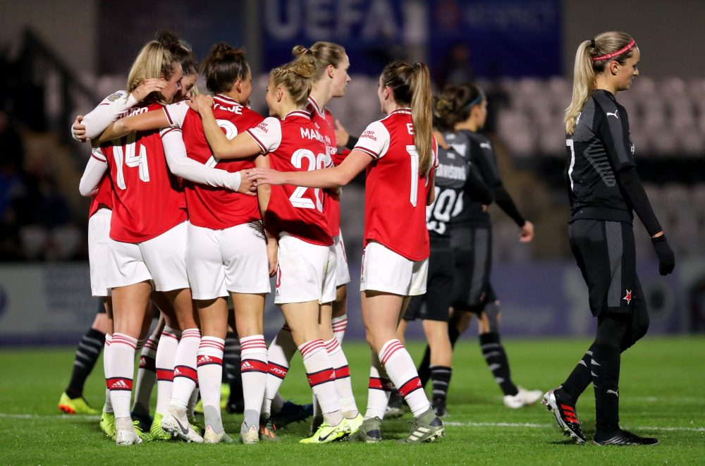 BOREHAMWOOD, ENGLAND - OCTOBER 31: Jill Roord of Arsenal Women celebrates after scoring her sides third goal with her team mates during the UEFA Women's Champions League Round of 16 Second Leg match between Arsenal Women and SK Slavia Praha at Meadow Park on October 31, 2019 in Borehamwood, England. (Photo by James Chance/Getty Images)