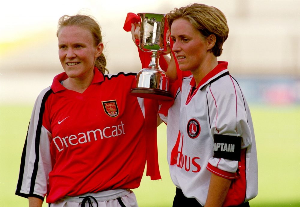 6 Aug 2000: Sian Williams of Arsenal and S Barber of Charlton Athletic share the trophy after the Women's FA Charity Shield at Craven Cottage in London. The match was drawn 1-1. Mandatory Credit: Aubrey Washington /Allsport