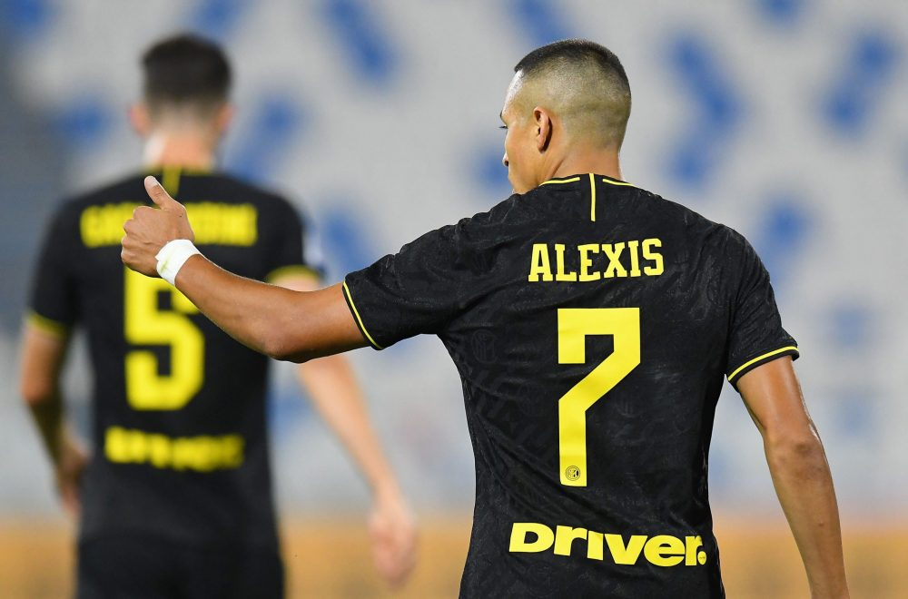 FERRARA, ITALY - JULY 16: Alexis Sanchez of FC Internazionale celebrates after scoring his team's third goal during the Serie A match between SPAL and FC Internazionale at Stadio Paolo Mazza on July 16, 2020 in Ferrara, Italy. (Photo by Alessandro Sabattini/Getty Images)