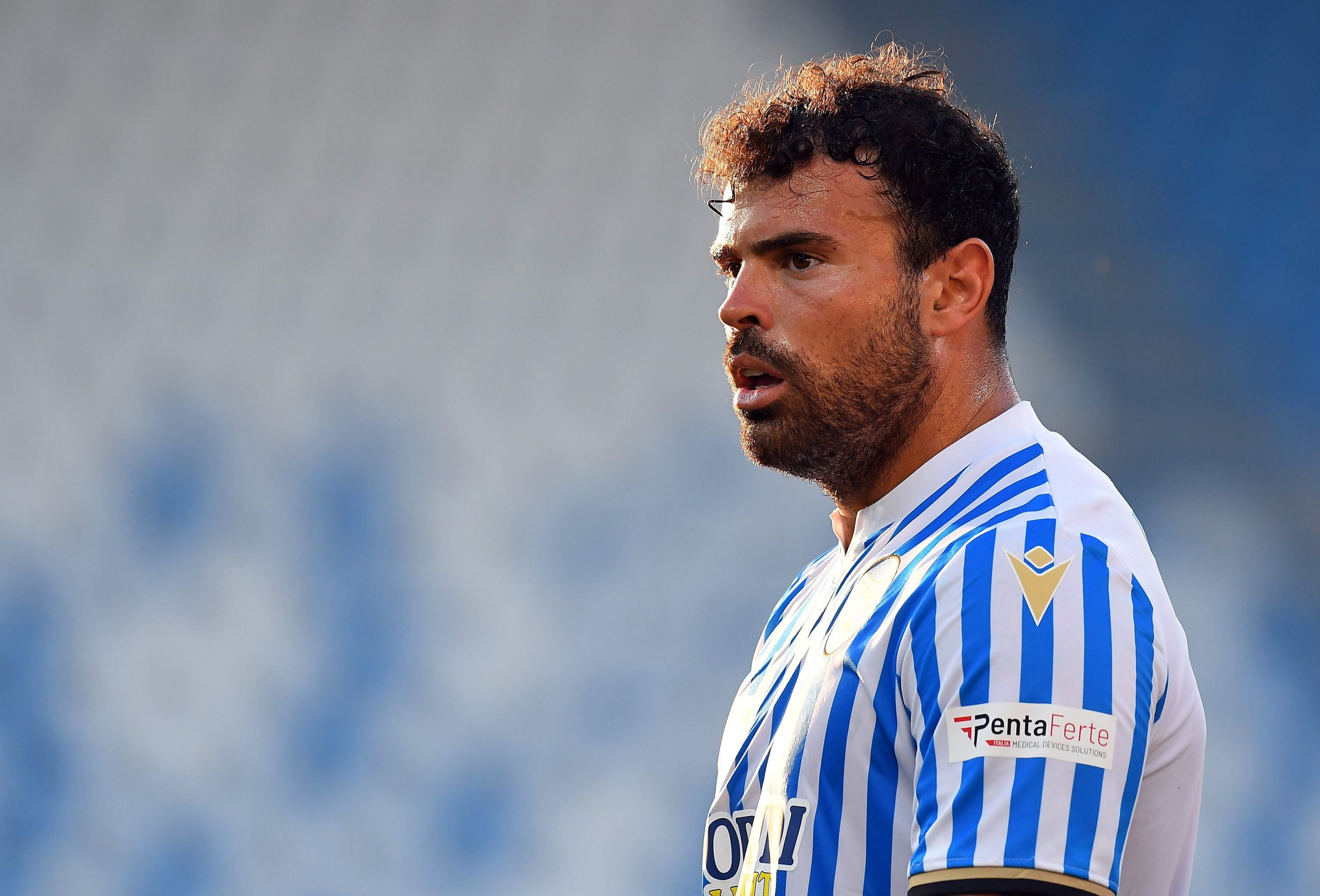FERRARA, ITALY - JULY 09: Andrea Petagna of SPAL looks on during the Serie A match between SPAL and Udinese Calcio at Stadio Paolo Mazza on July 09, 2020 in Ferrara, Italy. (Photo by Alessandro Sabattini/Getty Images)