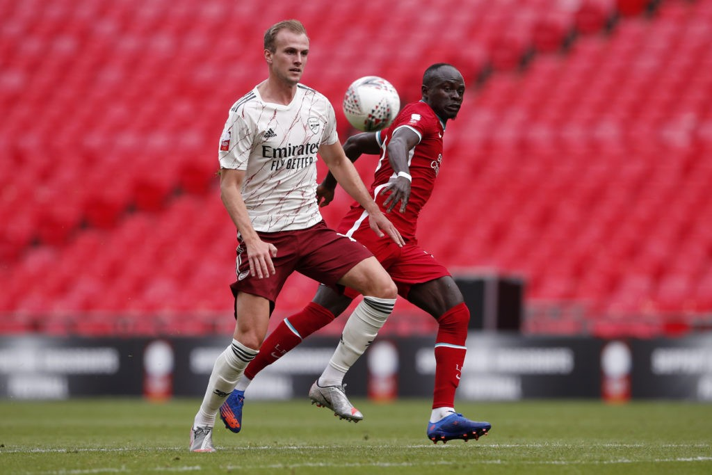LONDON, ENGLAND - AUGUST 29: Sadio Mane of Liverpool battles for possession with Rob Holding of Arsenal during the FA Community Shield final between Arsenal and Liverpool at Wembley Stadium on August 29, 2020 in London, England. (Photo by Andrew Couldridge/Pool via Getty Images)