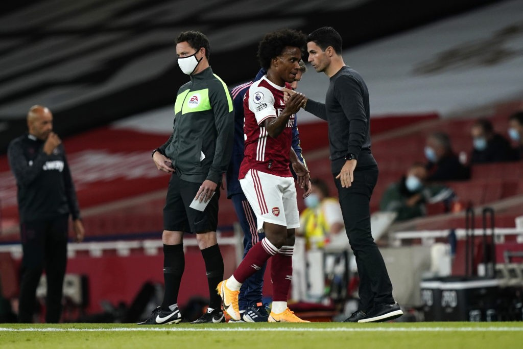 LONDON, ENGLAND - SEPTEMBER 19: Mikel Arteta, Manager of Arsenal greets Willian of Arsenal as he is substituted off during the Premier League match between Arsenal and West Ham United at Emirates Stadium on September 19, 2020 in London, England. (Photo by Will Oliver - Pool/Getty Images)