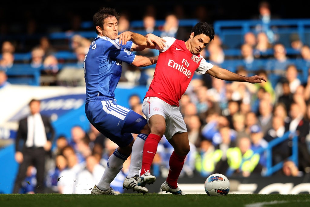LONDON, ENGLAND - OCTOBER 29: Mikel Arteta of Arsenal battles for the ball with Frank Lampard of Chelsea during the Barclays Premier League match between Chelsea and Arsenal at Stamford Bridge on October 29, 2011 in London, England. (Photo by Ian Walton/Getty Images)