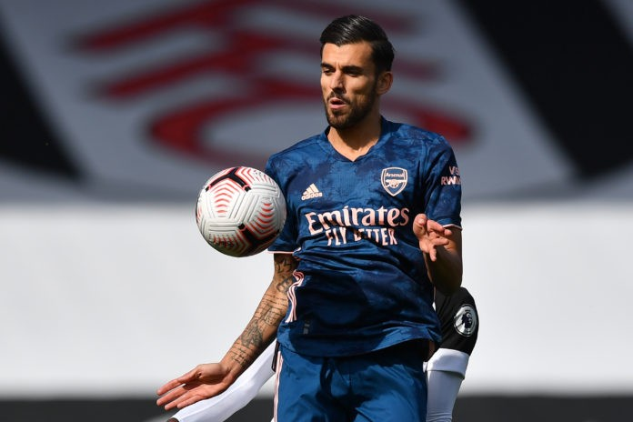 Arsenal's Spanish midfielder Dani Ceballos controls the ball during the English Premier League football match between Fulham and Arsenal at Craven Cottage in London on September 12, 2020. (Photo by BEN STANSALL/POOL/AFP via Getty Images)