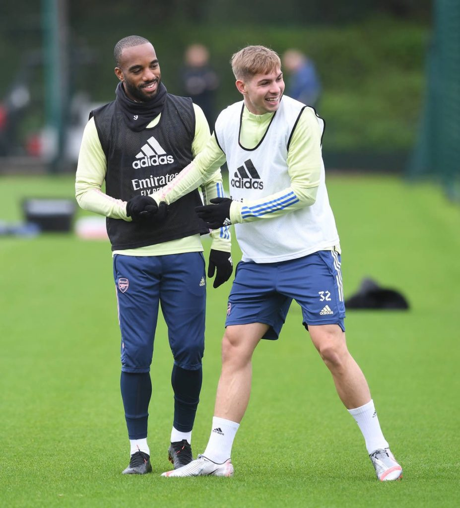 Emile Smith Rowe with Alexandre Lacazette in Arsenal training (Photo via Arsenal.com)