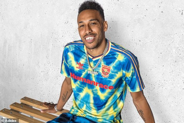 Pierre-Emerick Aubameyang Adidas Humanrace Arsenal shirt