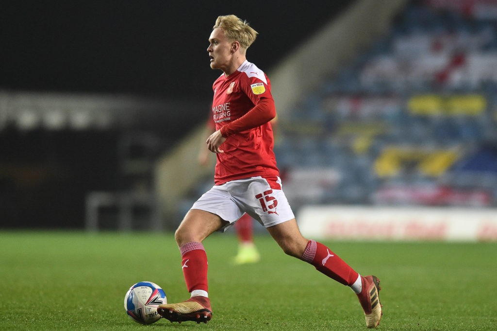 Swindon Town Midfielder Matthew Smith runs with the ball during the EFL Sky Bet League 1 match between Oxford United and Swindon Town at the Kassam Stadium, Oxford, England on 28 November 2020. Copyright: Marek Dorcik
