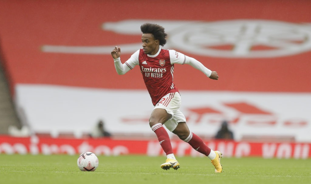 LONDON, ENGLAND - OCTOBER 04: Willian of Arsenal in action during the Premier League match between Arsenal and Sheffield United at Emirates Stadium on October 04, 2020 in London, England. Sporting stadiums around the UK remain under strict restrictions due to the Coronavirus Pandemic as Government social distancing laws prohibit fans inside venues resulting in games being played behind closed doors. (Photo by Kirsty Wigglesworth - Pool/Getty Images)