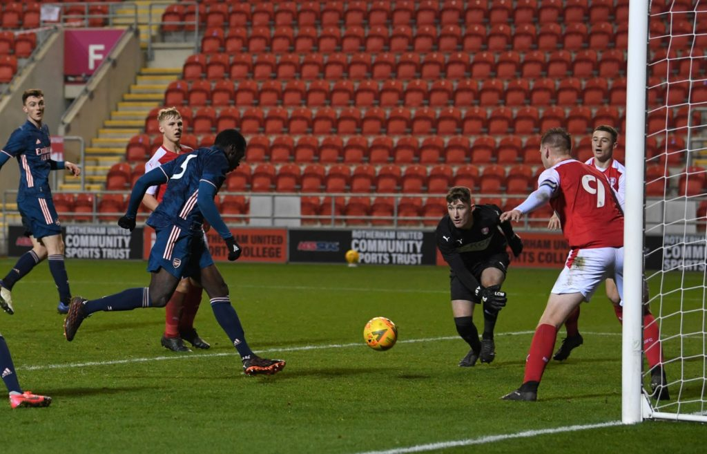 Mazeed Ogungbo scores a winner for the Arsenal u18s (Photo via Arsenal Academy on Twitter)