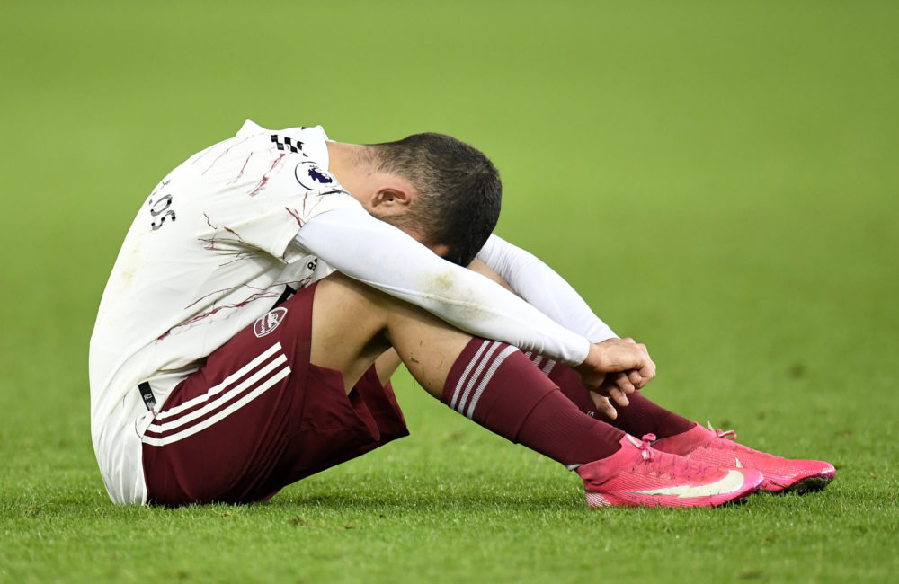 LIVERPOOL, ENGLAND - DECEMBER 19:  Dani Ceballos of Arsenal looks dejected following his team's defeat in the Premier League match between Everton and Arsenal at Goodison Park on December 19, 2020 in Liverpool, England. A limited number of fans (2000) are welcomed back to stadiums to watch elite football across England. This was following easing of restrictions on spectators in tiers one and two areas only. (Photo by Peter Powell -
