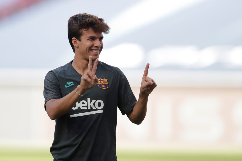 Barcelona's Spanish midfielder Riqui Puig arrives for a training session at the Luz stadium in Lisbon on August 13, 2020. (Photo by MANU FERNANDEZ/AFP via Getty Images)