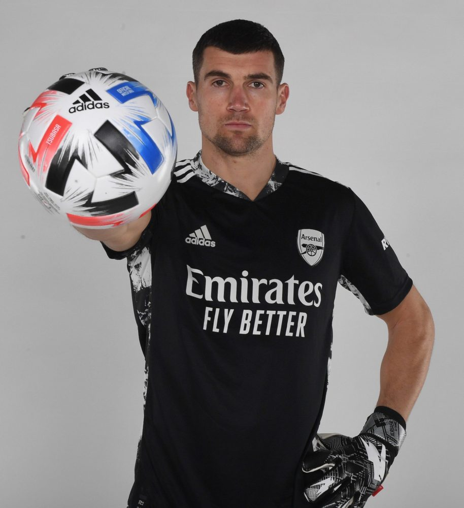 Mat Ryan after signing for Arsenal (Photo via Ryan on Twitter)