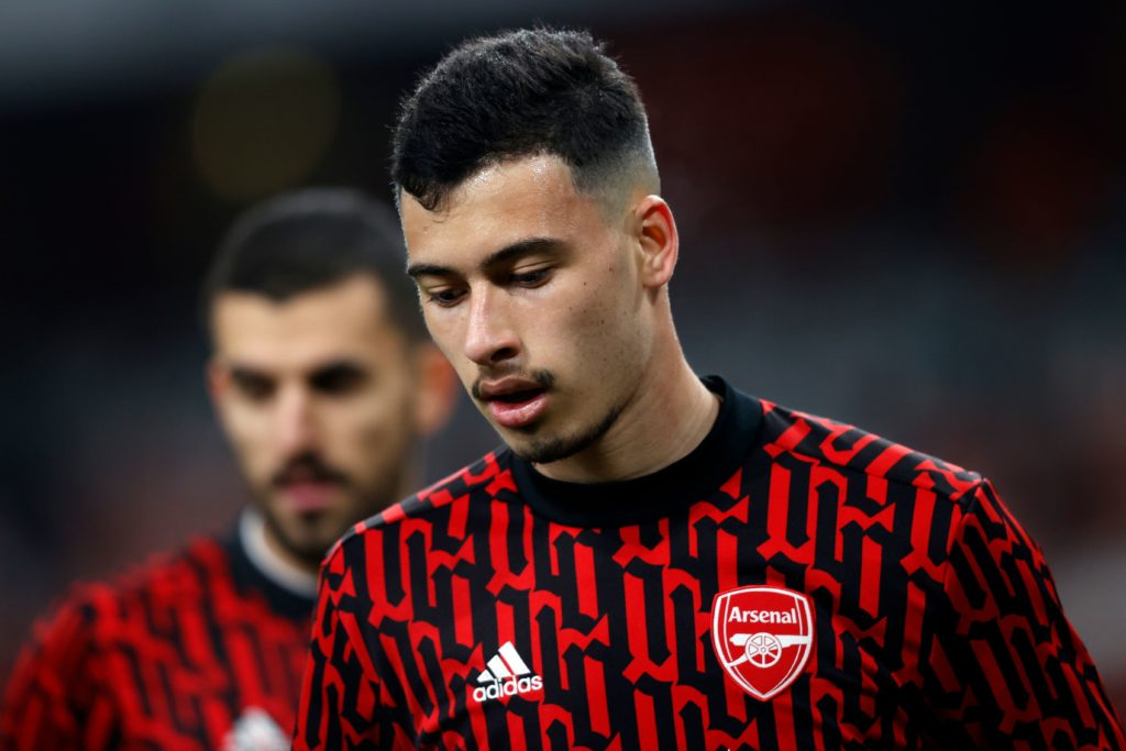 Arsenal's Brazilian striker Gabriel Martinelli warms up for the English League Cup quarter final football match between Arsenal and Manchester City at the Emirates Stadium, in London on December 22, 2020. (Photo by Adrian DENNIS / AFP)