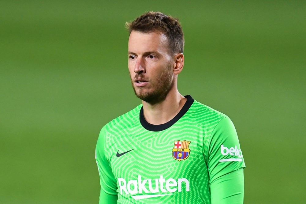 BARCELONA, SPAIN - SEPTEMBER 27: Neto of FC Barcelona looks on during the La Liga Santander match between FC Barcelona and Villarreal CF at Camp Nou on September 27, 2020 in Barcelona, Spain. Football Stadiums around Europe remain empty due to the Coronavirus Pandemic as Government social distancing laws prohibit fans inside venues resulting in fixtures being played behind closed doors. (Photo by David Ramos/Getty Images)