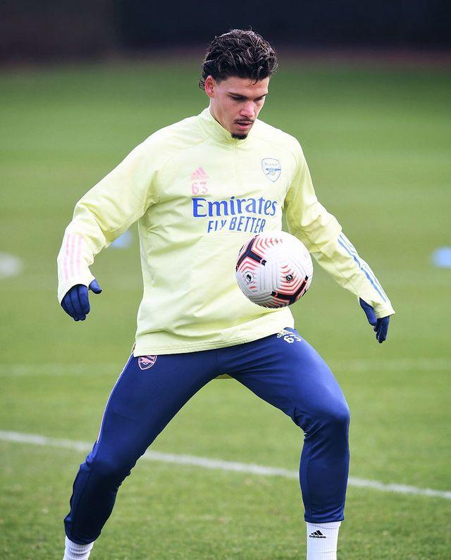 Omar Rekik with Arsenal in training (Photo via Rekik on Instagram)