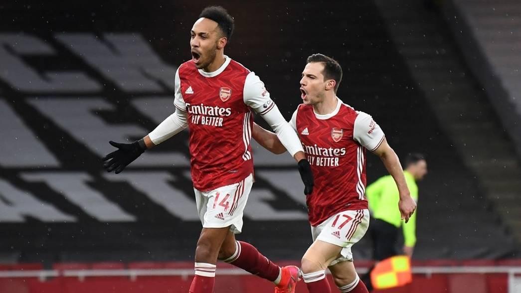 Pierre-Emerick Aubameyang and Cedric Soares celebrate (Photo via Arsenal.com)
