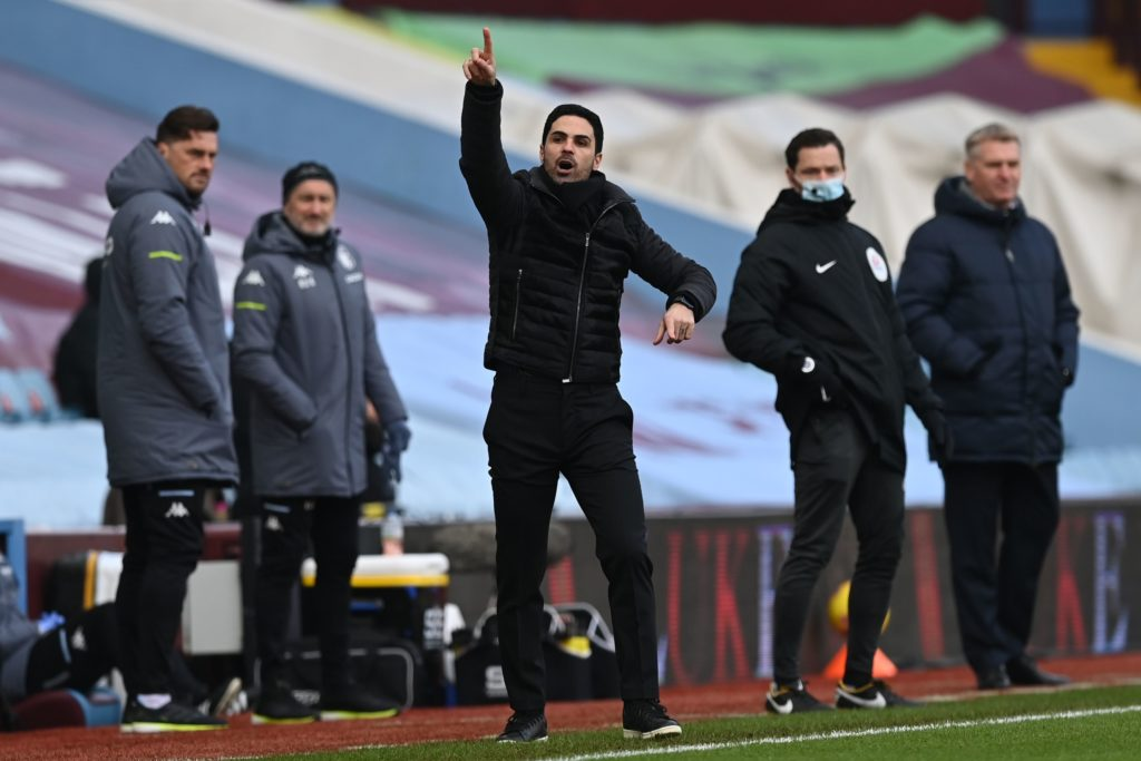 Arsenal's Spanish manager Mikel Arteta (C) gestures during the English Premier League football match between Aston Villa and Arsenal at Villa Park in Birmingham, central England on February 6, 2021. (Photo by Shaun Botterill / POOL / AFP)