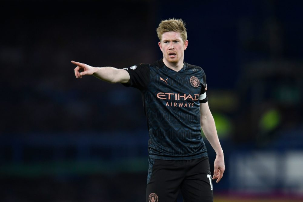 Manchester City's Belgian midfielder Kevin De Bruyne gestures during the English Premier League football match between Everton and Manchester United at Goodison Park in Liverpool, north west England on February 17, 2021. (Photo by PETER POWELL/POOL/AFP via Getty Images)