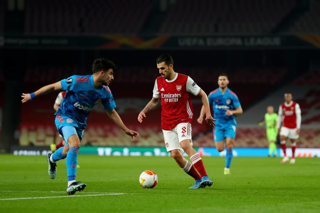 18th March 2021 Emirates Stadium, London, England UEFA Europa League Football, Arsenal versus Olympiacos Dani Ceballos of Arsenal takes on Thanasis Androutsos of Olympiakos Shaun Brooks