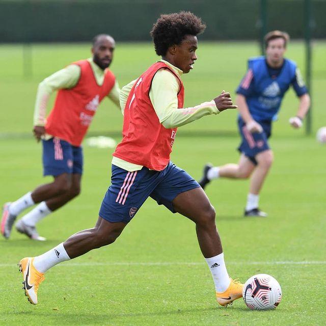 Willian in training with Arsenal (Photo via Willian on Instagram)