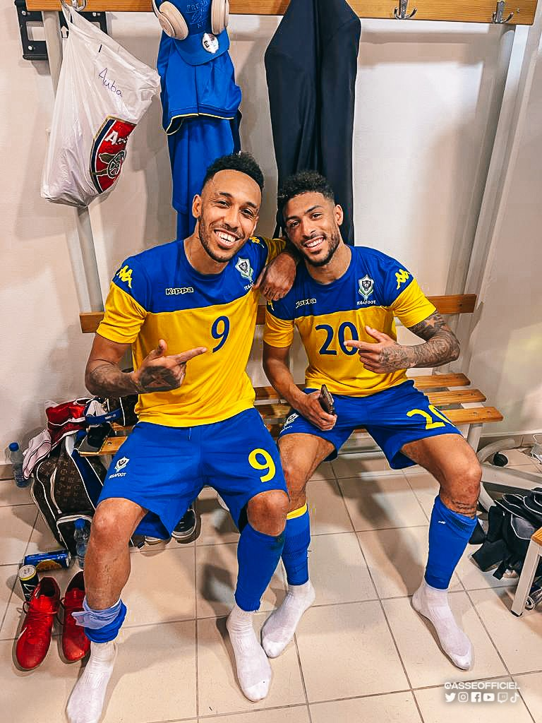 Pierre-Emerick Aubameyang celebrating with Denis Bouanga on international duty with Gabon (Photo via ASSEOfficiel on Twitter)