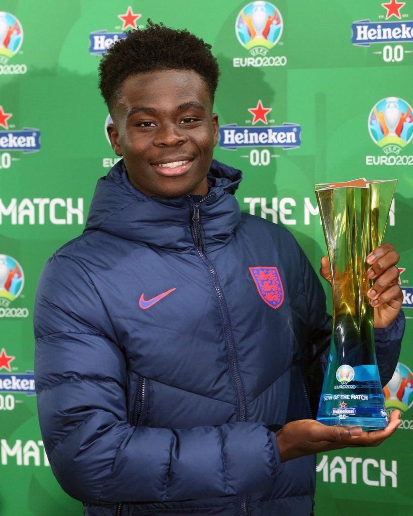 Bukayo Saka with his Star of the Match award after his performance for England at Euro 2020 (Photo via Saka on Twitter)