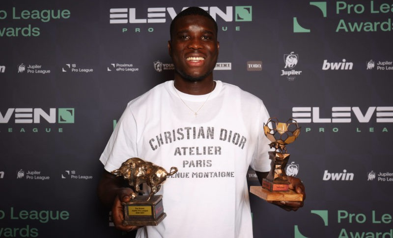 Pro League player of the year, Genk s Paul Onuachu poses with the trophy at the Pro League Awards 2021, for the best players in the 1st and 2nd 1b divisions of the Belgian soccer championships, Monday 24 May 2021 in Brussels. VIRGINIE LEFOUR