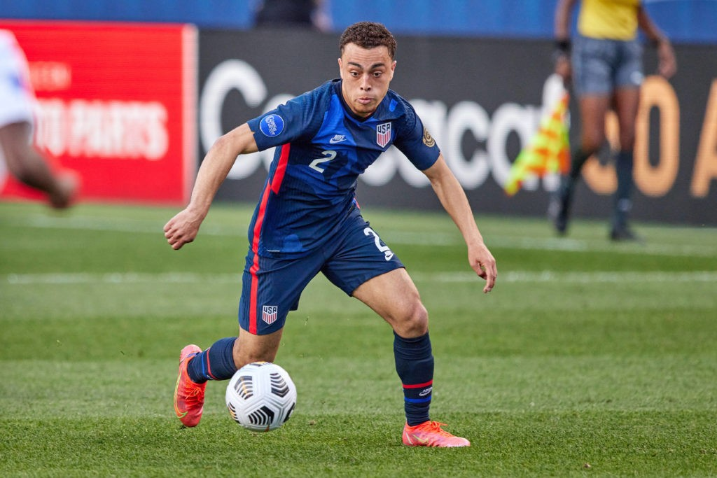 DENVER, CO: United States defender Sergino Dest dribbles the ball in action during the CONCACAF Nations League semi-final match between the United States and Honduras on June 03, 2021. Photo by Robin Alam/Icon Sportswire
