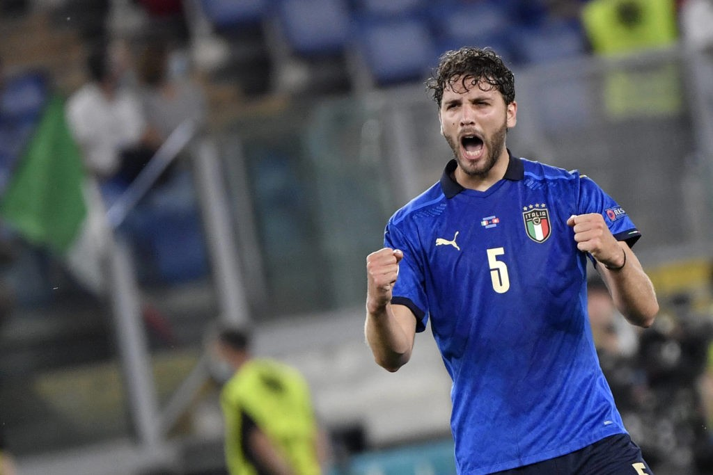 Manuel Locatelli of Italy celebrates after scoring a goal of 1-0 during the Group A football match between Italy and Switzerland at Estadio Olimpico in Rome Italy, on June 16th, 2021. Photo Andrea Staccioli / Insidefoto