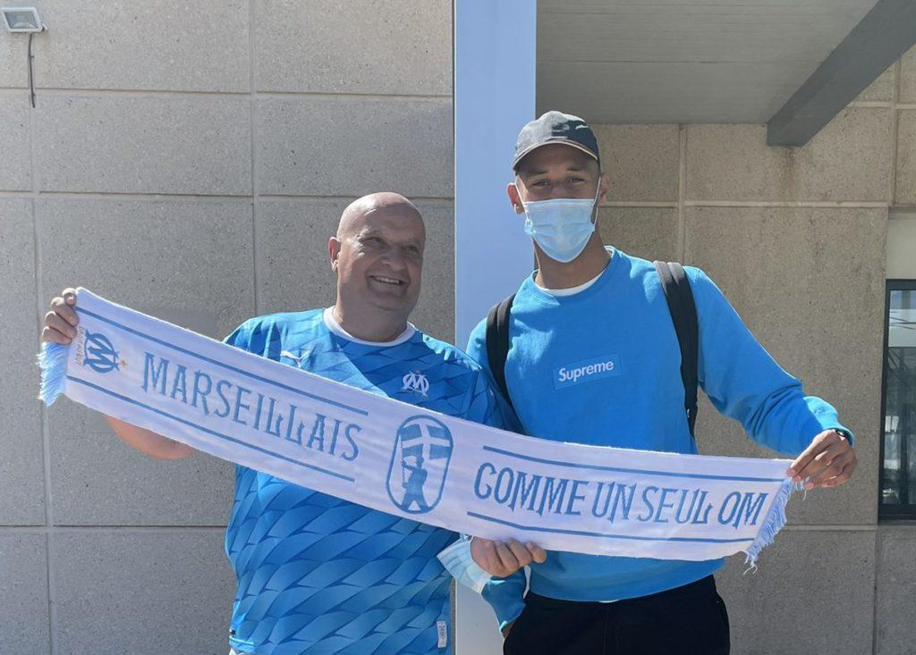 William Saliba arriving in Marseille (Photo via Mode55489648 on Twitter)
