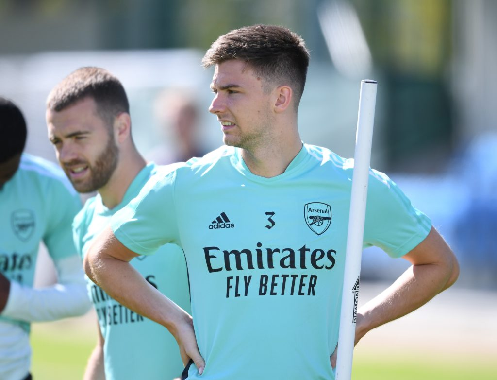 Kieran Tierney in training with Arsenal, Calum Chambers in the background (Photo via Arsenal on Twitter)