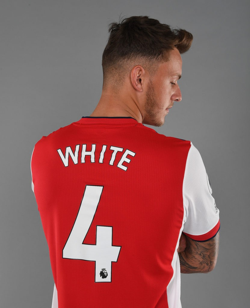 Ben White wearing the number four shirt (Photo via Arsenal.com)