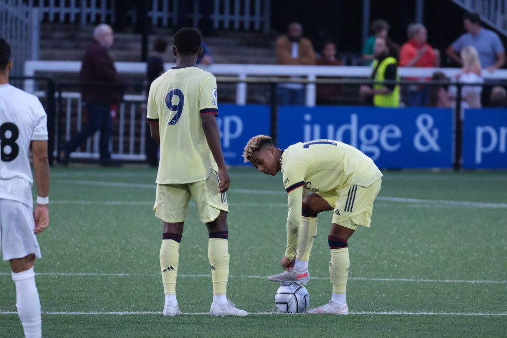 Omari Hutchinson and Khayon Edwards take kick-off for the Arsenal u23s against Bromley FC (Photo by Dan Critchlow)