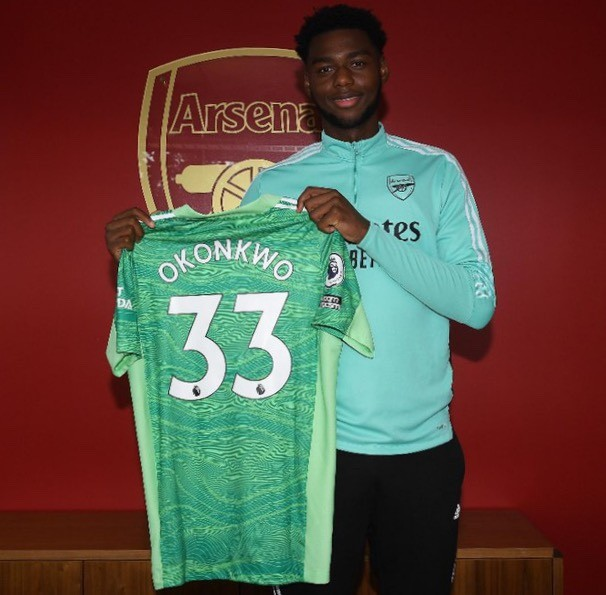 Arthur Okonkwo after signing a contract extension with Arsenal (Photo via Arsenal.com)