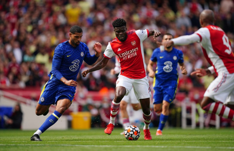Emirates Stadium Chelsea s Ruben Loftus-Cheek left and Arsenal s Thomas Partey centre battle for the ball during The Mind Series match at Emirates Stadium, London. Picture date: Sunday August 1, 2021. rivalry.. Copyright: Aaron Chown