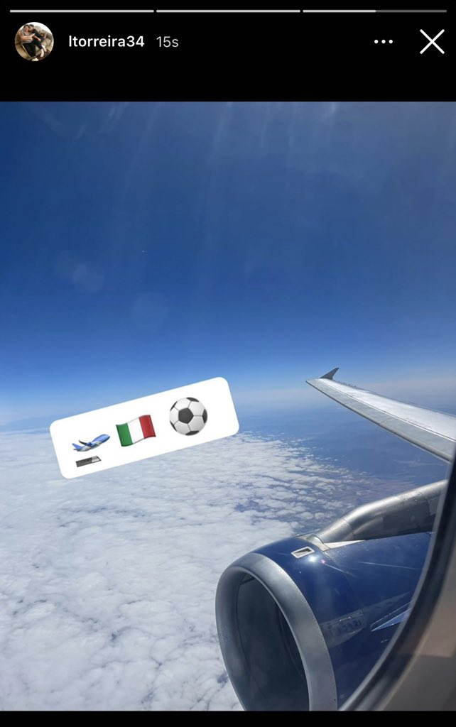 Lucas Torreira on a plane leaving for Italy (Photo via Torreira on his Instagram story)