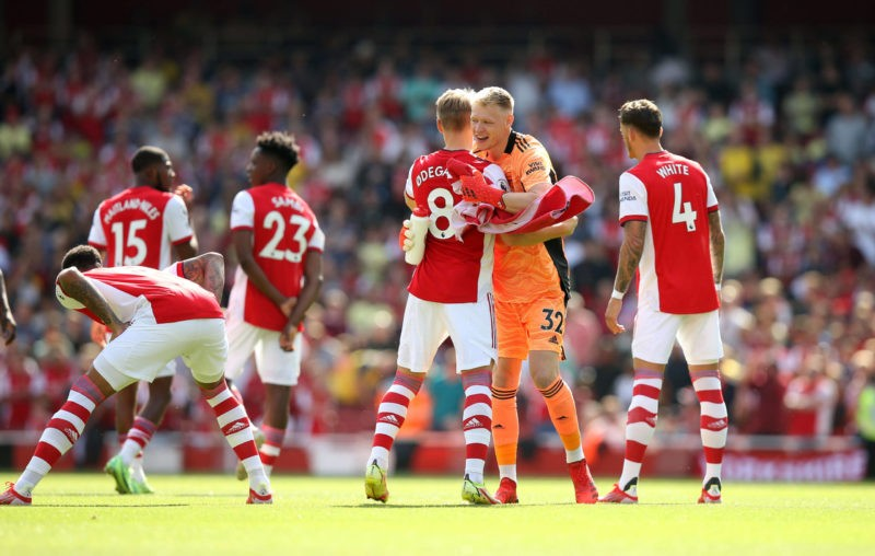 Arsenal v Norwich City 11 September 2021 London, Premier League, Arsenal FC v Norwich City, Arsenal goalkeeper Aaron Ramsdale hugs his teammates before the match. Photo by Mark Leech. London UK
