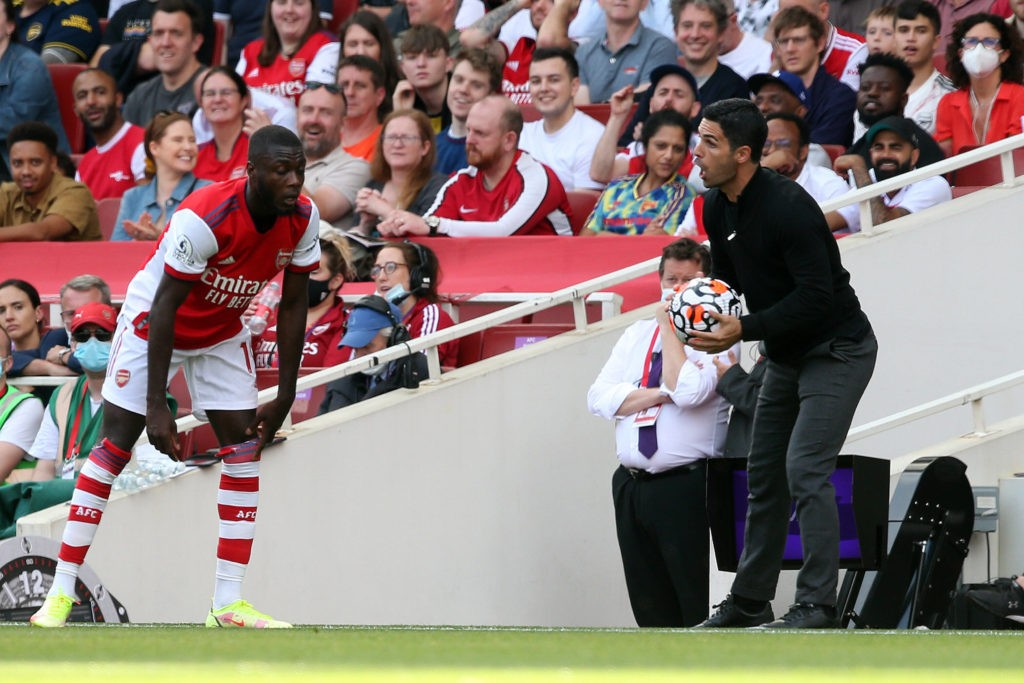 Arsenal v Norwich City Premier League Arsenal Manager Mikel Arteta gives instructions to Nicolas Pepe of Arsenal during the Premier League match at the Emirates Stadium, London Copyright: Paul Chesterton